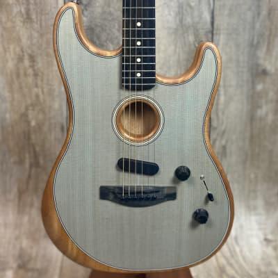 Fender American Acoustasonic Strat Ebony Fingerboard Transparent Sonic Blue w/bag