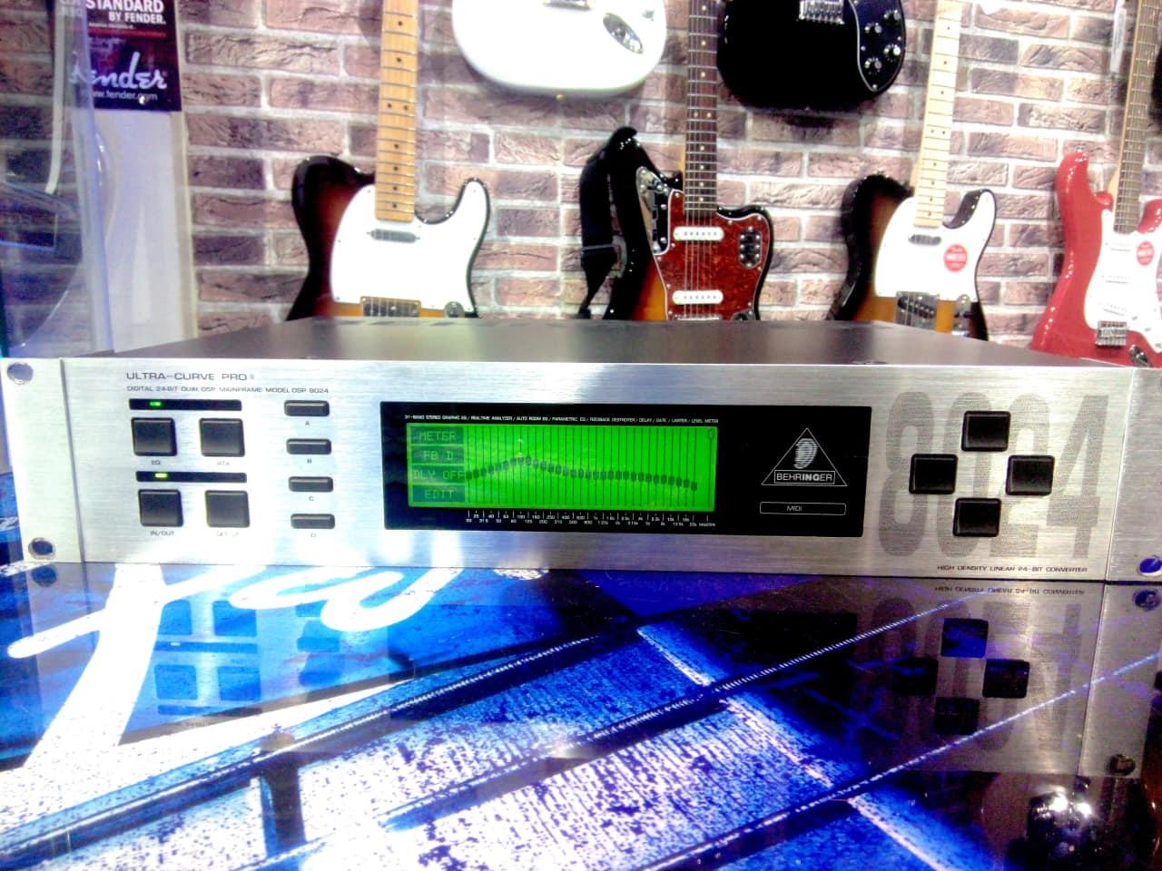 Behringer Ultra-Curve Pro DSP8024   MonoSound   Reverb