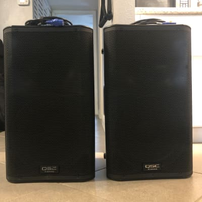 QSC K12 (PAIR) 1000-Watt Active 2-Way PA Speakers w/Speaker bags included