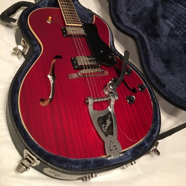 Guild Starfire III Wine Red Semi Hollow body Electric Guitar  Bigsby, humbuckers, hard case image