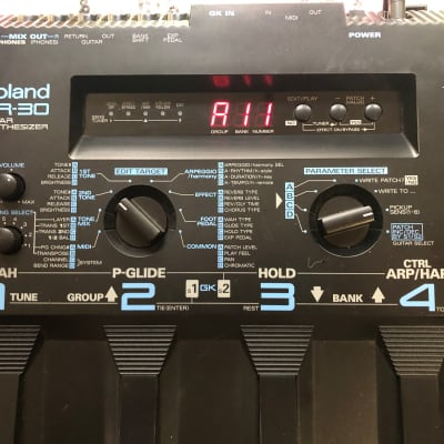 Roland GR-30 Guitar Synth w/ manuals, MIDI cable