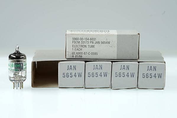 5 Vintage General Electric 5654W / 6AK5 / 6AK5W / 5654 / 6J1 / EF95  Amplifier Tube - BangyBang Tubes