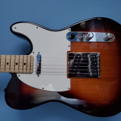 Fender Player Telecaster 2019 Three-color Sunburst Maple Neck With Gigbag