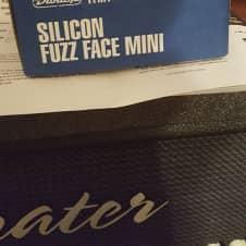 Dunlop FFM1 Fuzz Face Mini 2017 Blue/ Black/ White