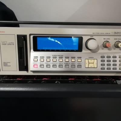 Akai S3200XL  Sampler 1996 SCSI2SD BOX, OS2.0, New Backlight Fully working