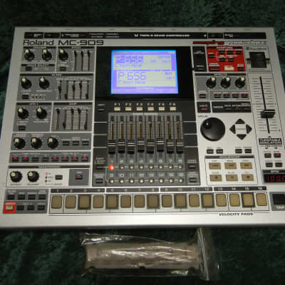 Roland MC-909 Groovebox, Fantastic Condition, Fully Upgraded Memory & SRX-05, w/ SM Card, Xtra Pads