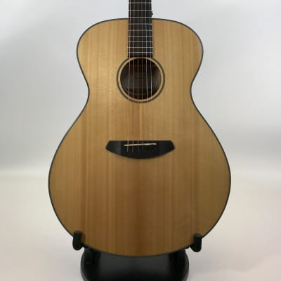 Breedlove Discovery Concerto  With Gig Bag 2018 Gloss Natural