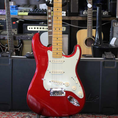 Fender American Deluxe Stratocaster V-Neck with Maple Fretboard 2011 Candy Apple Red for sale