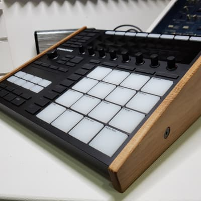 Native Instruments Maschine MkIII MK3 Oak Stand from Synths And Wood
