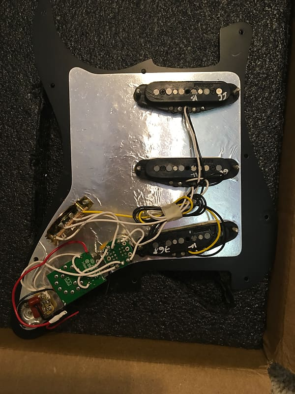 Fender 2018 Deluxe Roadhouse Strat Loaded Pickguard W   Gen 4
