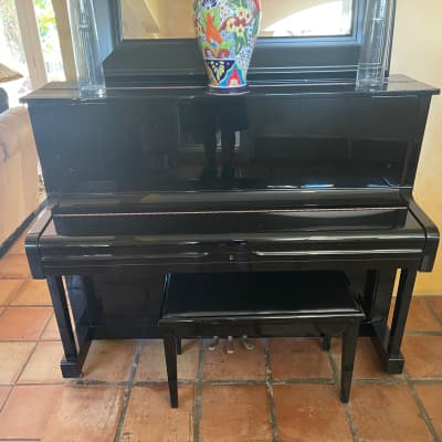 Young Chang Y-116 Piano