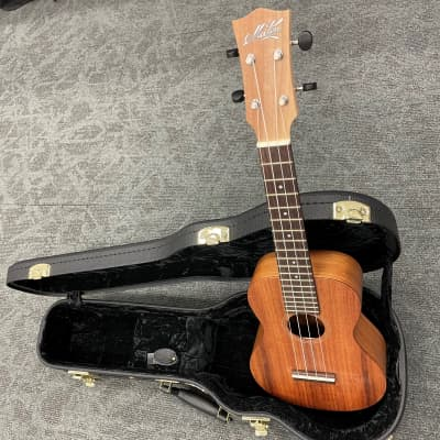 Maton Concert Ukelele with Pickup and Hard Case for sale