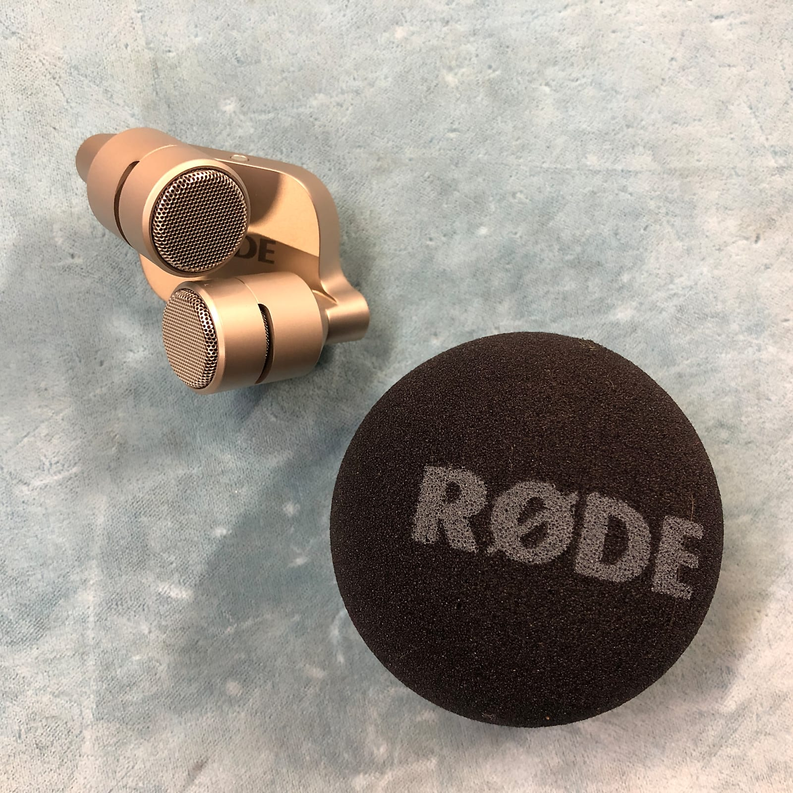 Rode iXY Stereo Recording Microphone for iPhone / iPad 30-Pin