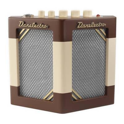 Danelectro DH-1 Hodad Guitar Amp With Tremolo