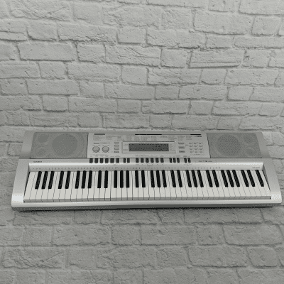 Casio WK-210 76-Key Workstation Keyboard