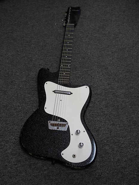 vintage 1960s silvertone by danelectro electric guitar 1451 reverb. Black Bedroom Furniture Sets. Home Design Ideas
