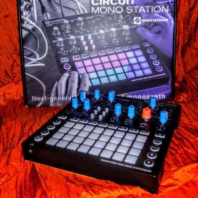 Novation Circuit Mono Station Paraphonic Analog Synth