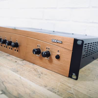Crown 280MA 8 input mixer amplifier in excellent condition (church owned)