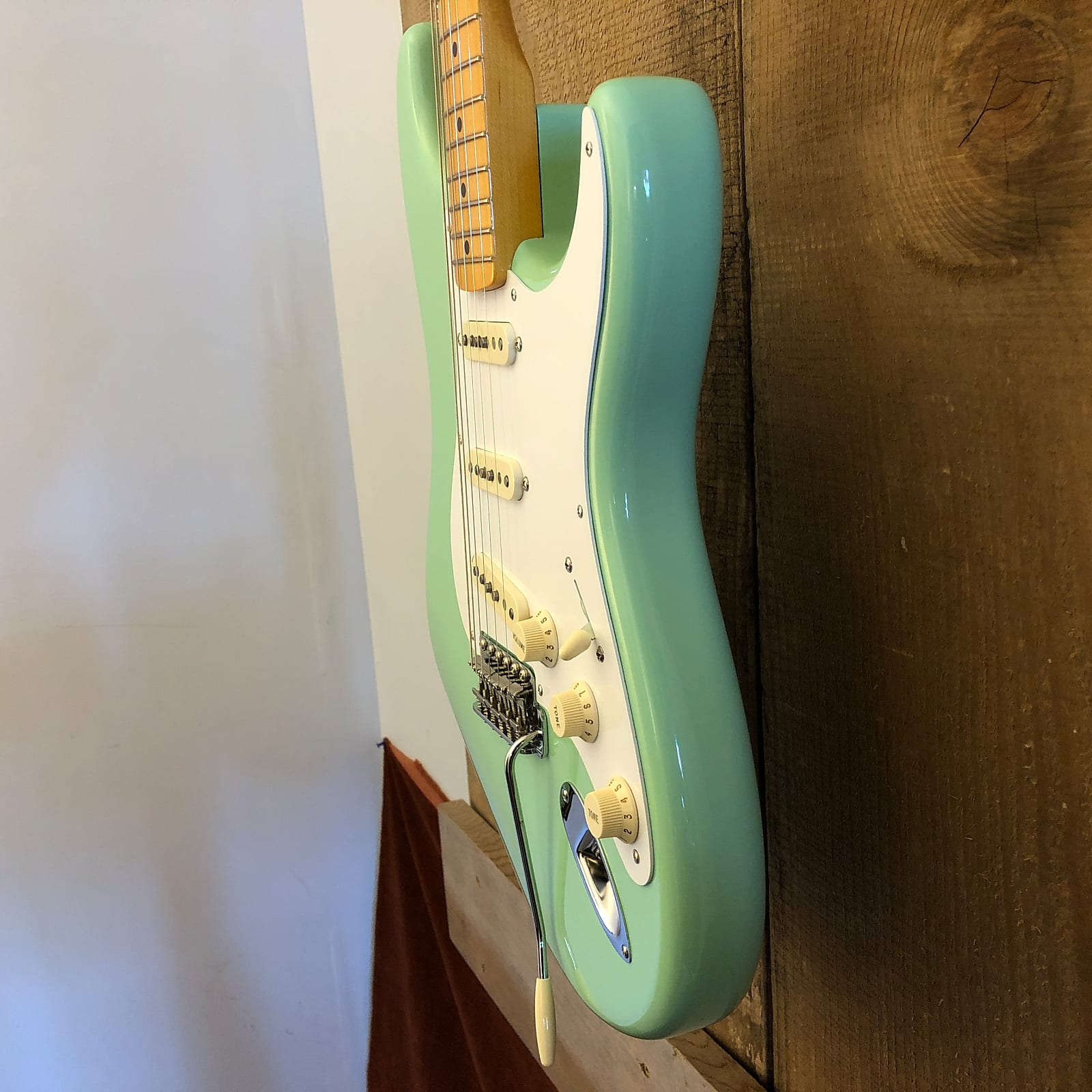 Fender American Vintage Reissue AVRI '57 Stratocaster Surf Green w/ OHSC