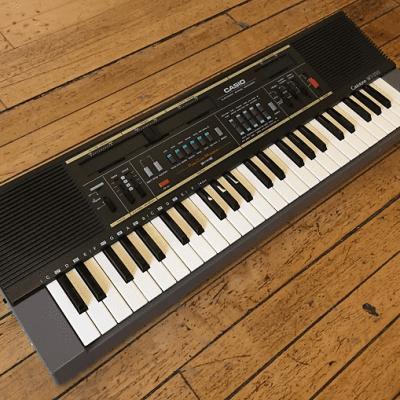 Casio MT-210 49-Key Synthesizer 1984 - 1985