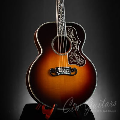 Gibson SJ-200 Master Museum
