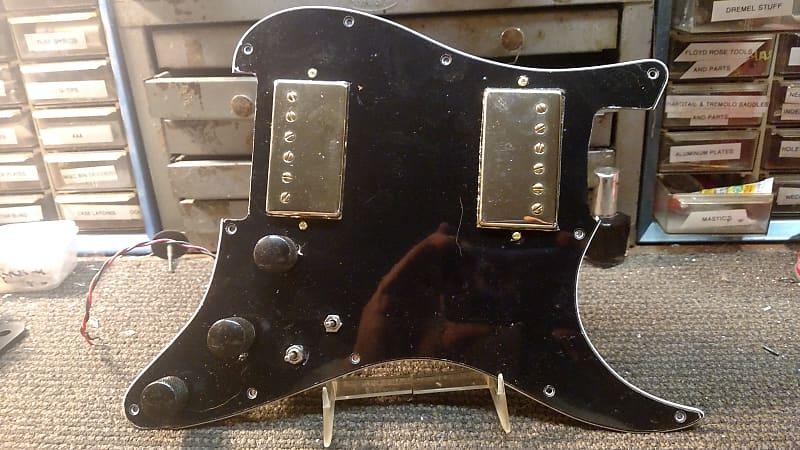 carfrae guitars gold humbucker black strat pickguard coil reverb. Black Bedroom Furniture Sets. Home Design Ideas
