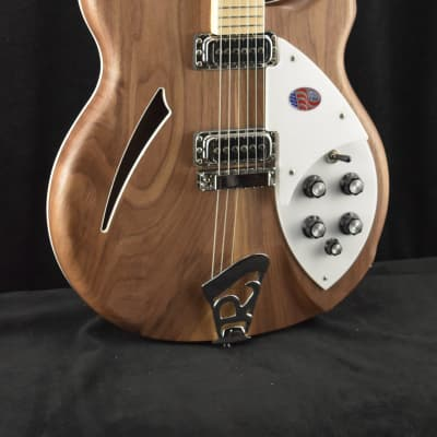 Rickenbacker 360W 6-String Walnut with Hardshell Case