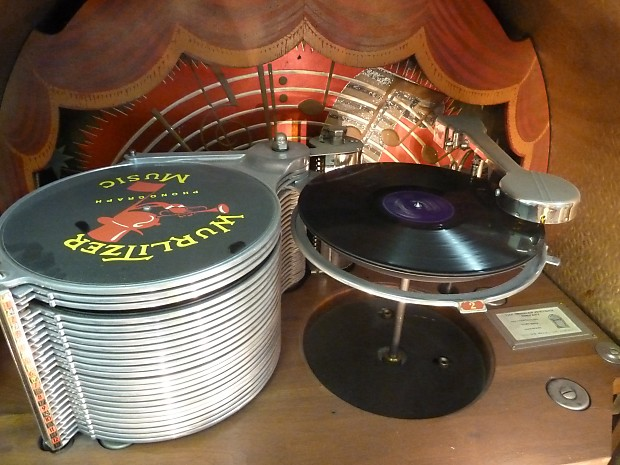 Holy Grail of all Jukeboxes 1946 Wurlitzer 1015 Bubbler, all original