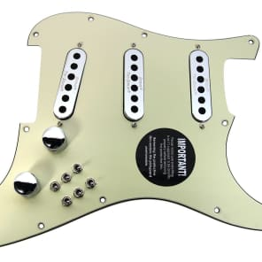 920D Custom Shop 265-35-20 Burns London Mini Tri-Sonics Brian May Loaded Strat Pickguard