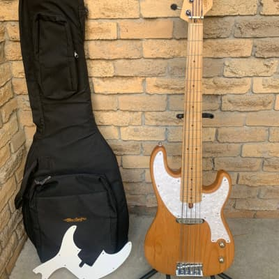 Alleva Coppolo Old Fashioned 81009 5 string bass for sale