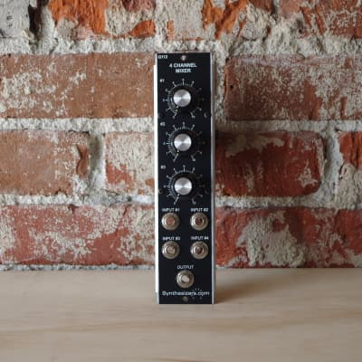 Synthesizers.com Q112 4-Channel Mixer Module