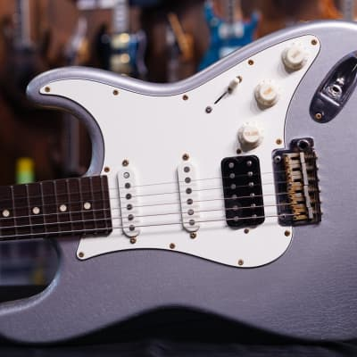 Suhr Classic Antique Metallic Firemist Silver