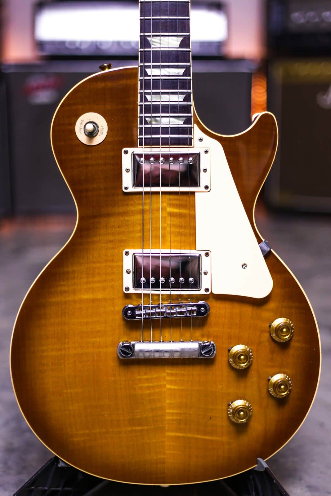 Auto Body Shops >> 1997 GIBSON LES PAUL CLASSIC HONEYBURST PLUS TOP grlc2049 | Reverb