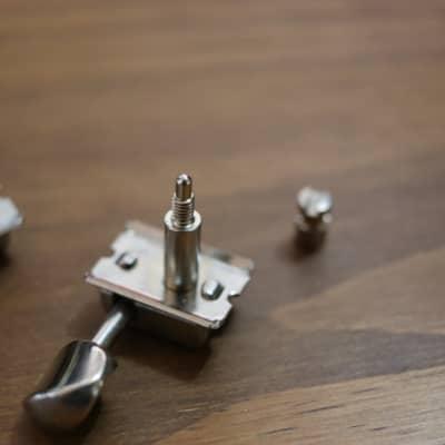 Fender 007-2272 Gotoh Vintage-Style Locking Guitar Tuning Machines (6)