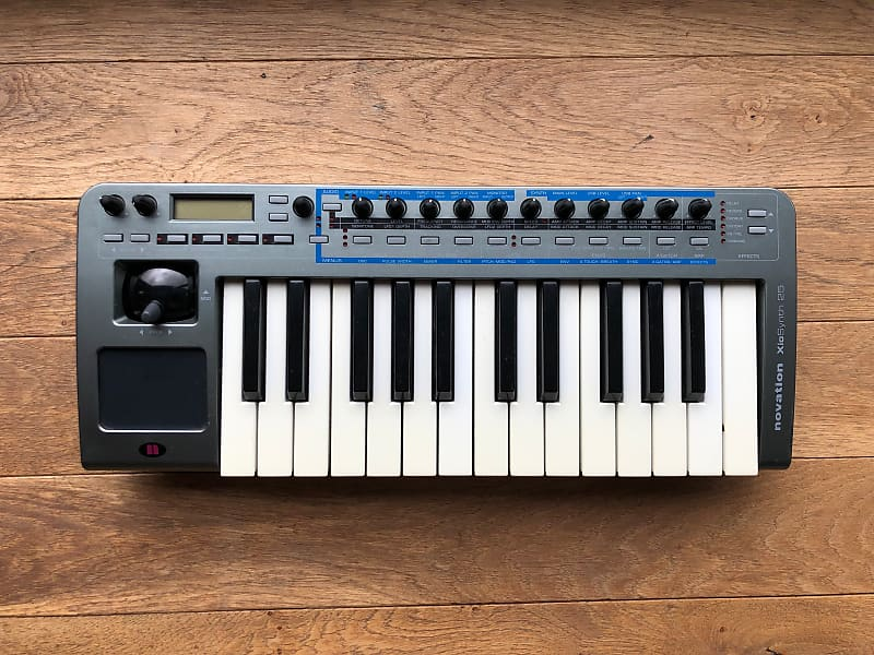 novation xiosynth 25 synthesizer usb audio interface midi reverb. Black Bedroom Furniture Sets. Home Design Ideas