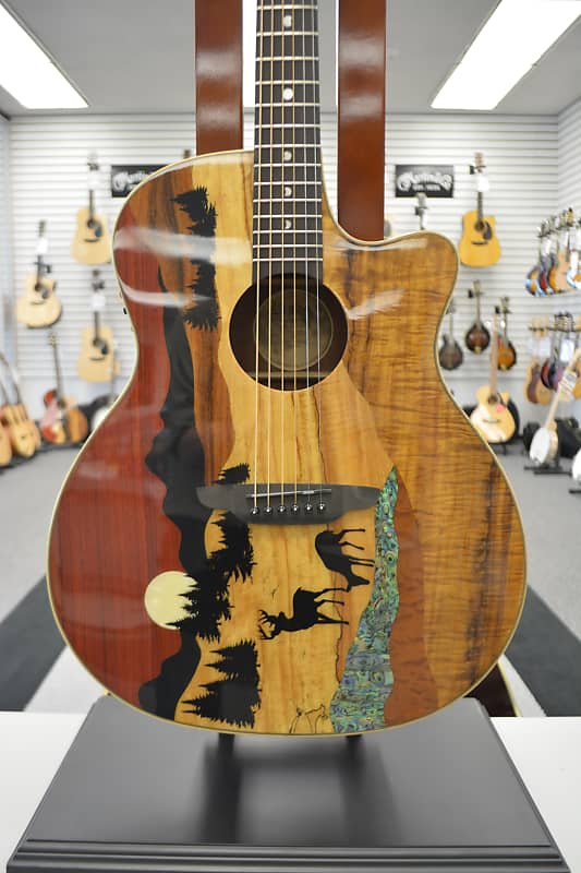 Luna Vista Deer Tropical Wood A/E w/ Case