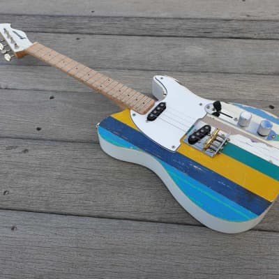 Fanner Guitar Works Tenor Pixelator Shabby Chic. Maple neck and fretboard. Gig bag included.
