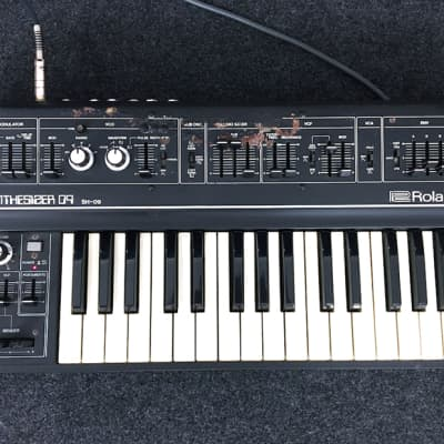 Roland SH-09 32-Key Monophonic Synthesizer