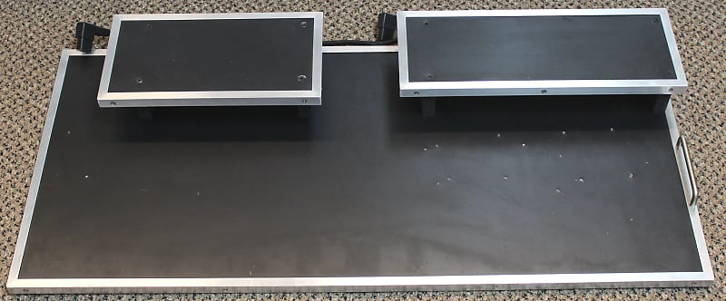 used xact tone solutions xts large two tier pedalboard reverb. Black Bedroom Furniture Sets. Home Design Ideas