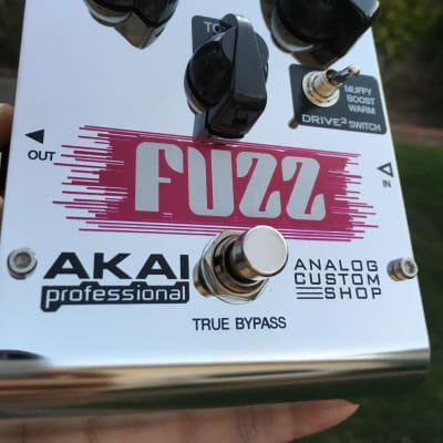 Akai Analog Custom Shop Drive3 Fuzz Effect Pedal Chrome for sale