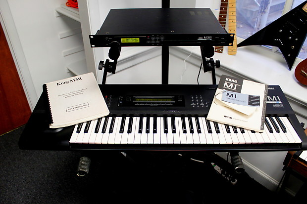Korg M1 Workstation Keyboard with M3R Rack moduel & user manuals and  original box!
