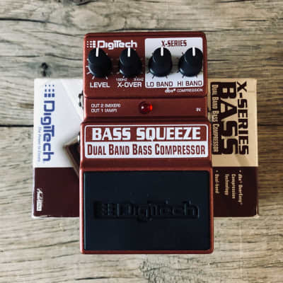 DigiTech Bass Squeeze Dual Band Bass Compressor Pedal with Box