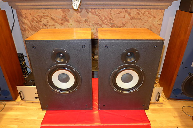 klipsch kg2. pair of vintage klipsch kg2-wo oak speakers made in usa very nice kg2