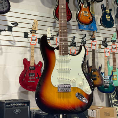 Scratch & Dent Fender Japan Traditional Stratocaster XII 3-Tone Sunburst Rosewood w/ Free Shipping for sale