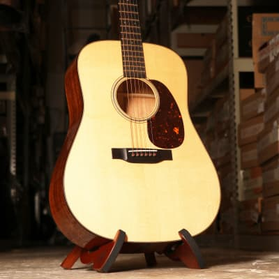 Martin D-18 Modern Deluxe Dreadnought Acoustic Guitar Natural