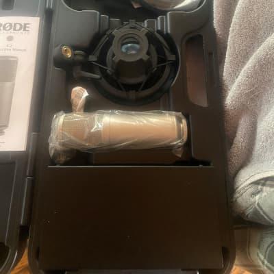 RODE K2 Large Diaphragm Multipattern Tube Condenser Microphone