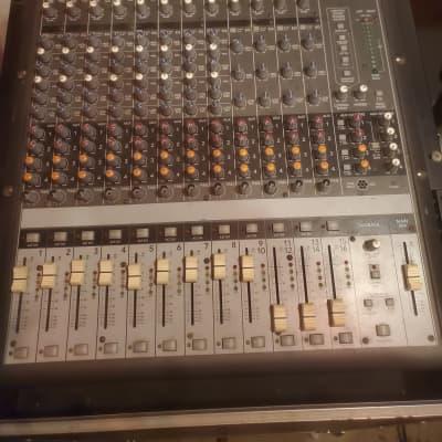Mackie Onyx 1620i 16-Channel Mixer with firewire card