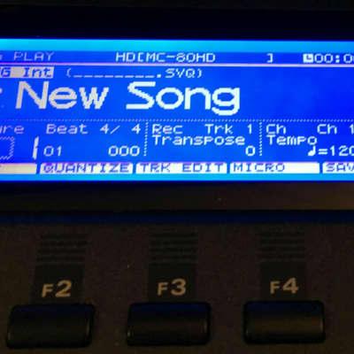 Roland MC-80 / MC-80 EX (NEW) LED Graphic Display !