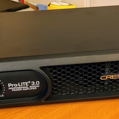 Crest Audio ProLITE 3.0 Power Amp 1000W per ch in Gator Lightweight 3U Rack Bag