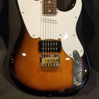 Custom Fender Squier '51 Vintage Modified Baritone Sunburst With Gig Bag
